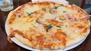 margarita-pizza-cropped300-240